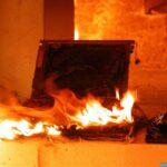 Burning laptop, source: https://commons.wikimedia.org/wiki/File:Burned_laptop_secumem_11.jpg
