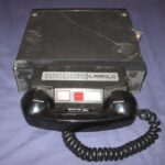 A mobile radio telephone photographed by Hackgillam (English Wikipedia).